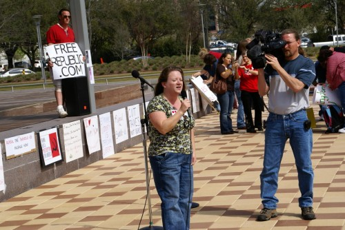 Felicia Cravens leading the original tea party in Houston in February 2009.
